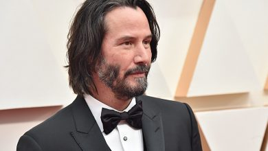 Photo of Keanu Reeves reveals that he dropped out of reading his favorite Marvel hero: 'It's too late'