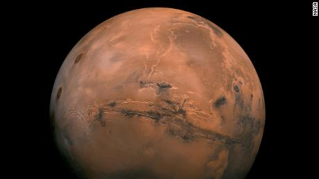Mars, the fourth planet from the Sun, has days that range from Earth to Earth. But it is a small planet, with an average temperature of -81 degrees Fahrenheit, and its atmosphere is very thin and often contains carbon dioxide.