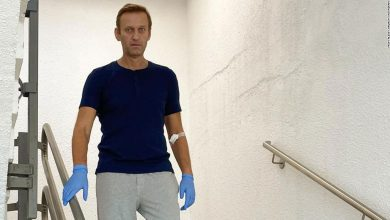 Photo of Russian opposition leader Alexei Navalny has been released from hospital after drinking poison