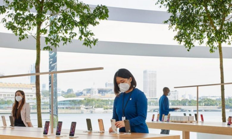 Apple has created a mask with a 'unique' look for its retail employees, designed by engineering teams working on the iPhone and iPod