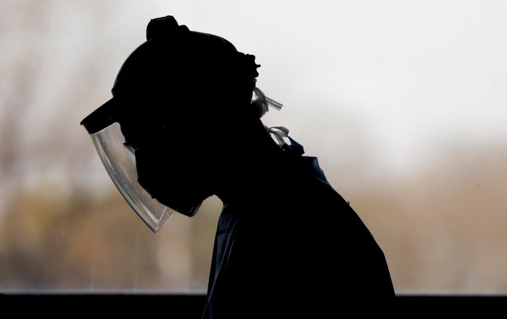 California expects corona virus-related hospitalization to rise 89% - deadline