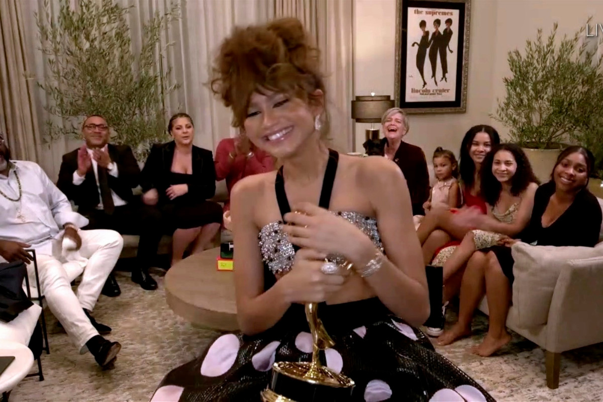 Gentia fans misunderstand the meaning of 'sadness' after Emmys win