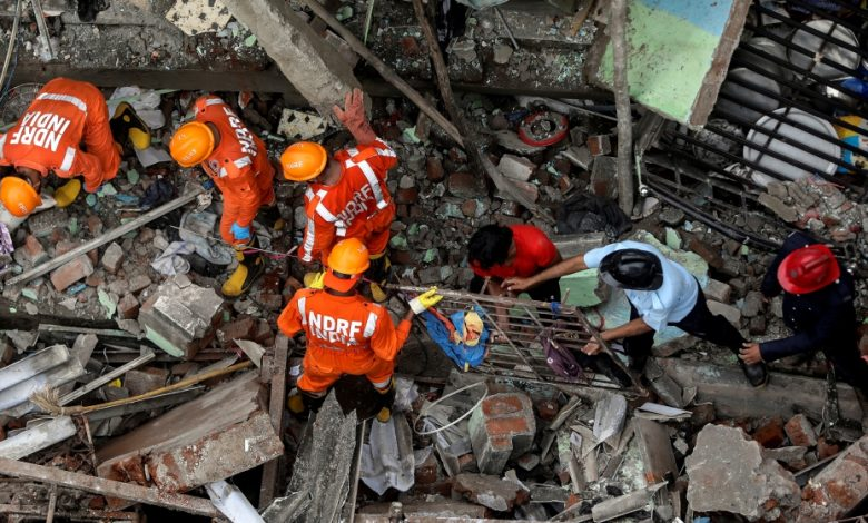 India: Many are feared trapped in the collapse of a deadly building near Mumbai India News
