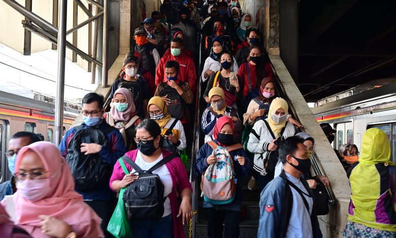 Indonesian stocks dive as Jakarta again plans to partially lock down the corona virus