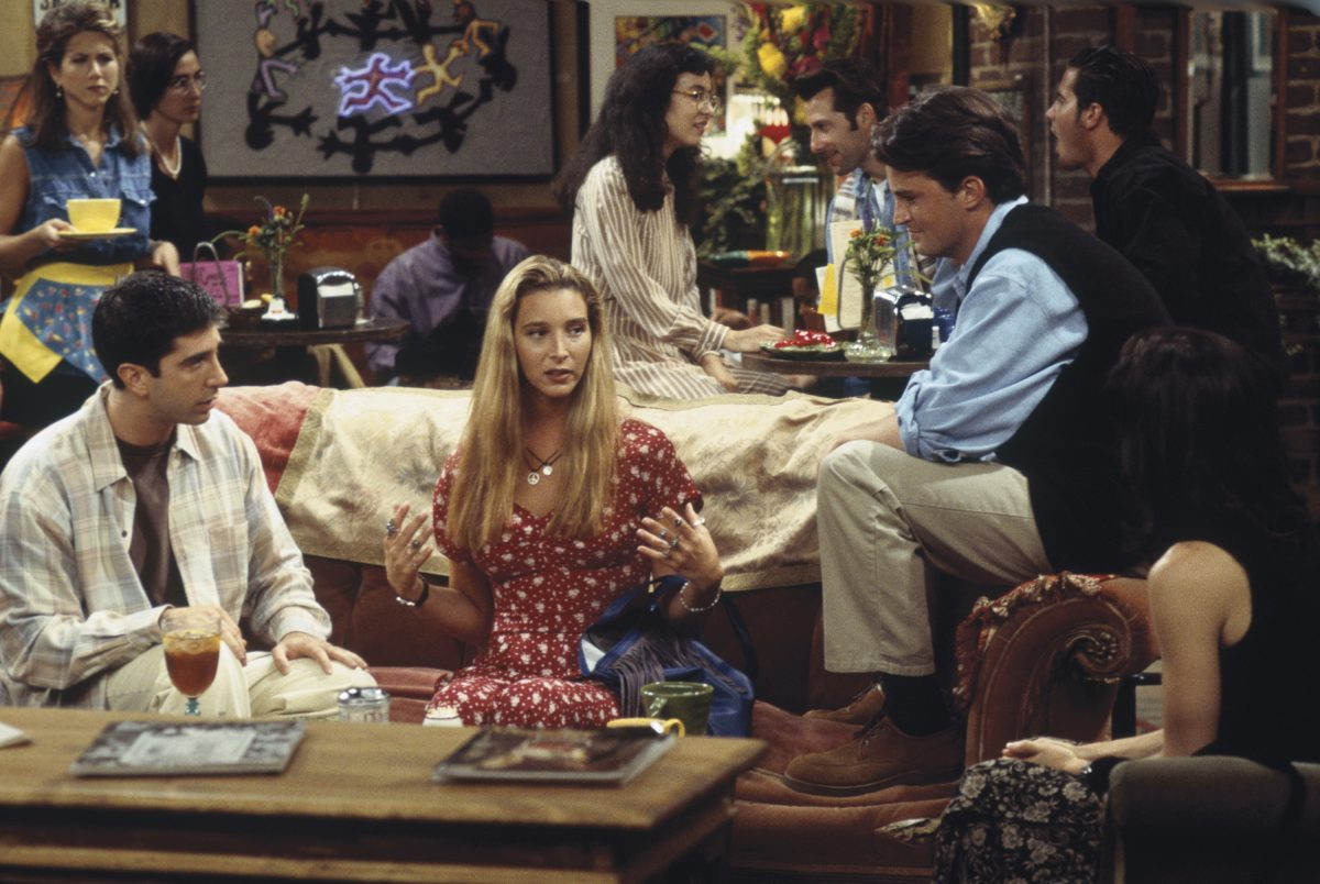Photo of Lisa Kudrow threatens to leave after Season 3, until Matt LeBlanc talks about her
