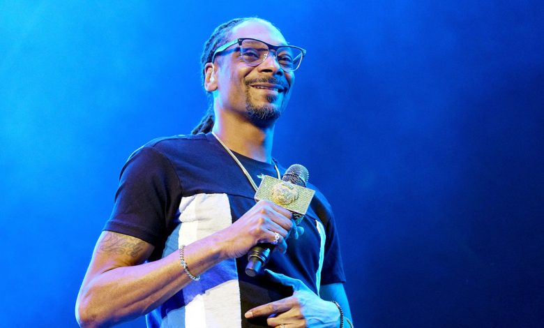 Snoop Dogg, Jennifer Nettles to Judge TBS Talent Contest