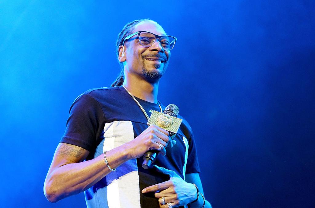 Snoop Dogg, Jennifer Nettles to Judge TBS Talent Contest