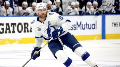 Photo of Tampa Bay Lightning captain Steven Stamkos withdraws from Game 4