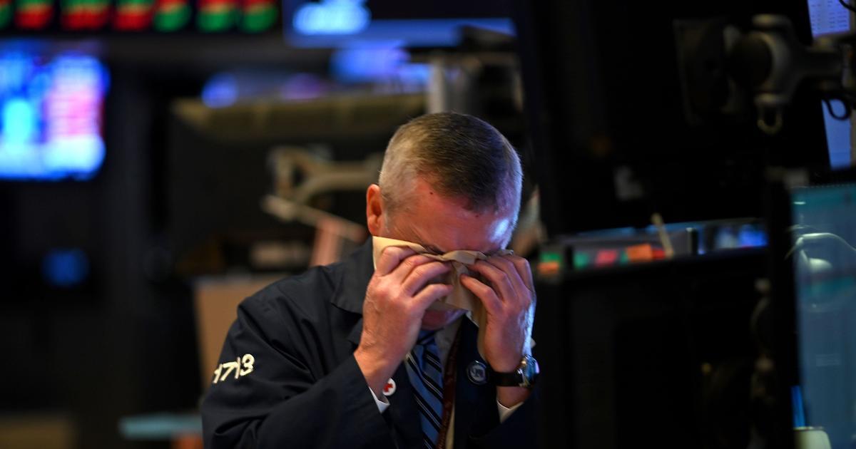 Tesla shares dive after S&P 500 denial