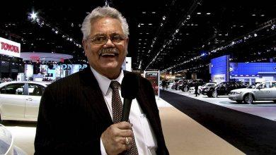 Photo of The iconic suburban auto dealer Bob Rohrmann has died