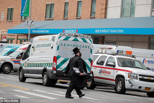Photo of Three Orthodox Jewish men die from COVID-19 within hours of arriving at the same NYC hospital