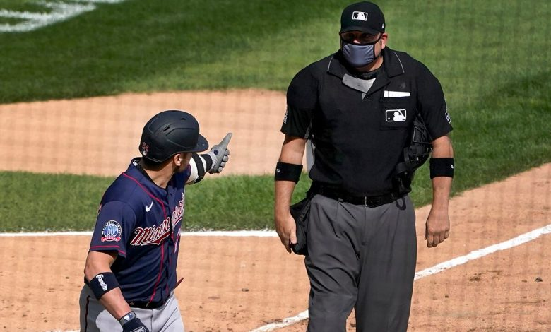 Twins' Josh Donaldson ejected for kicking dirt on plate after home run