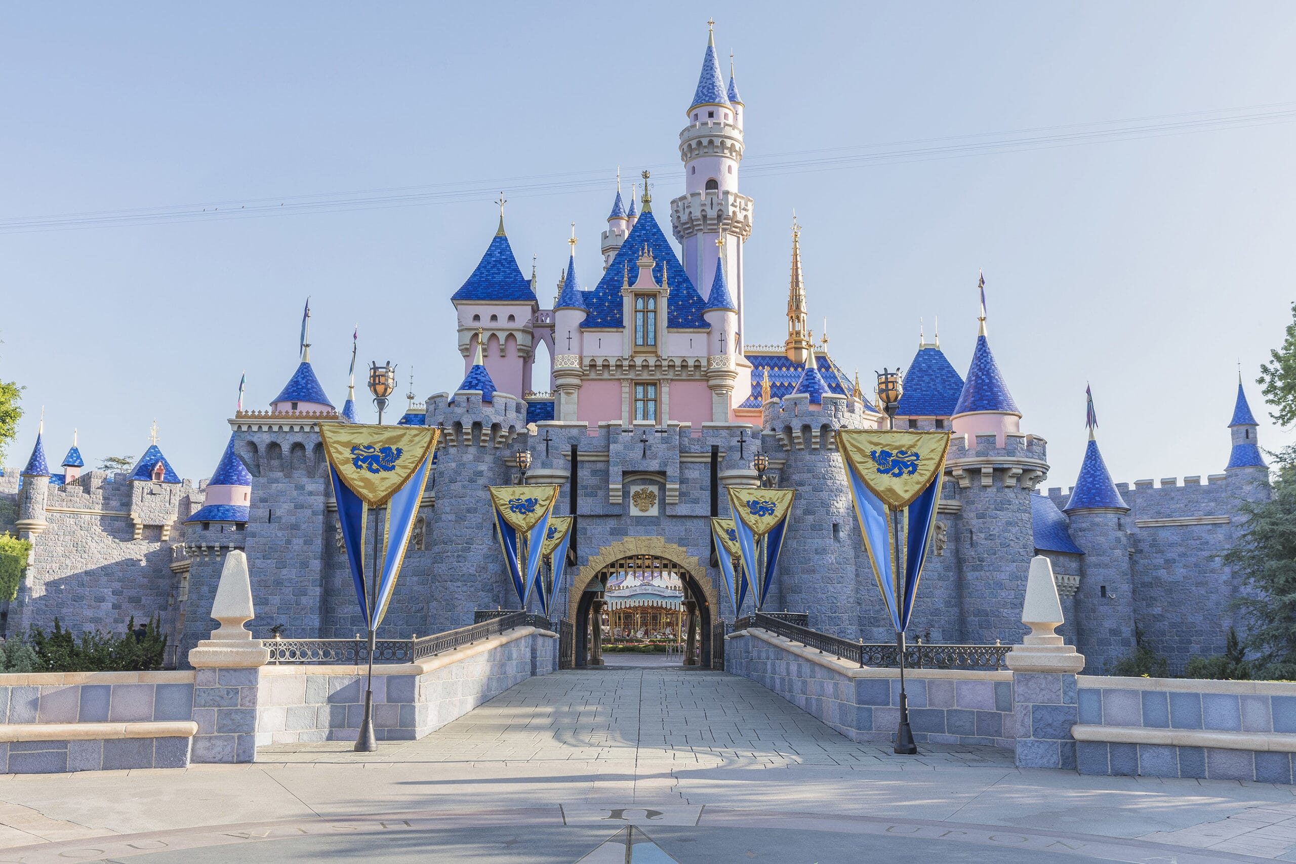 sleeping-beauty-castle-at-disneyland-park