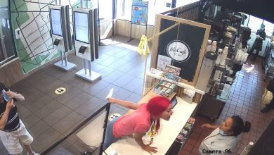 Photo of McDonald's client allegedly assaulted, crashing employee's head due to misalignment