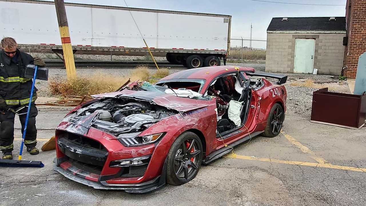 Dear Fire Department Vehicle Extraction Training - 2020 Ford Mustang Shelby GT500
