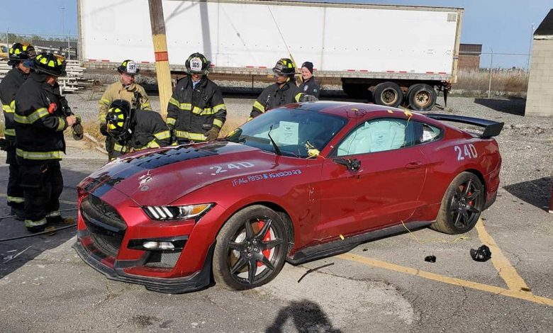 Fire Department 2020 destroys Ford Shelby GT500 for training purposes