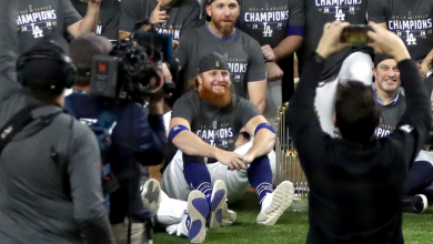 Photo of Justin Turner wins Dodgers World Series after positive COVID-19 test; Celebrates on the field