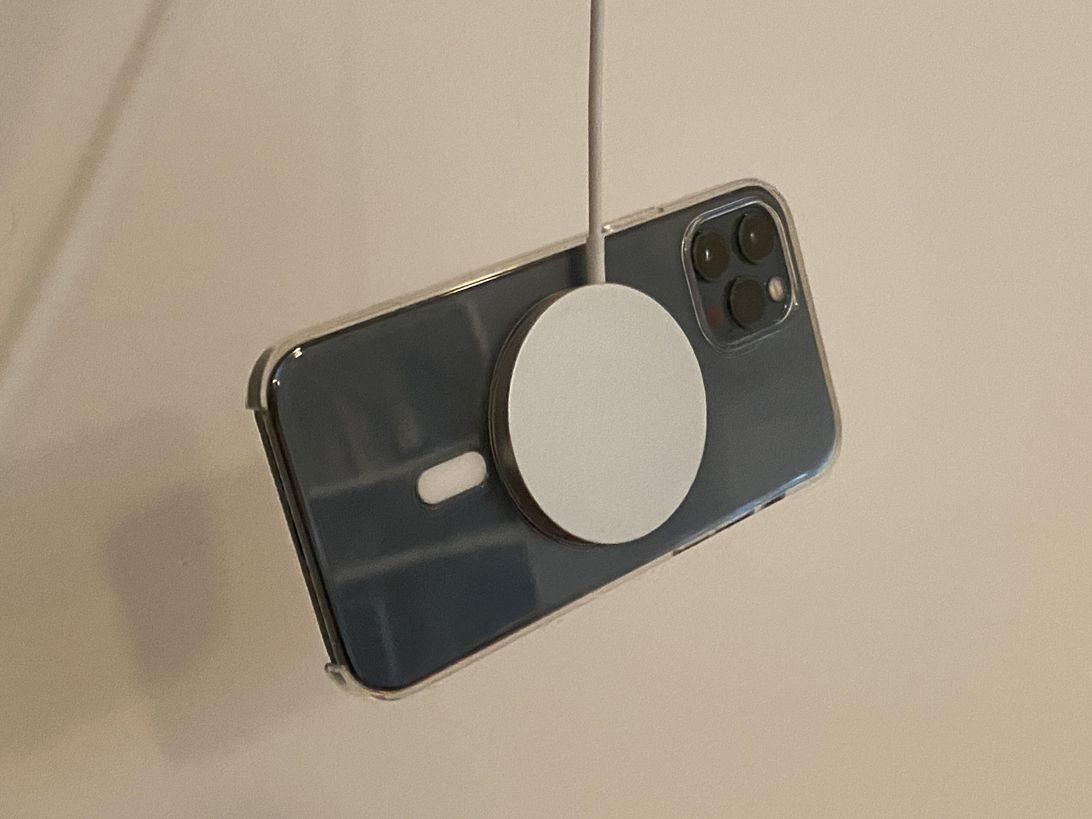 magsafe-iphone12