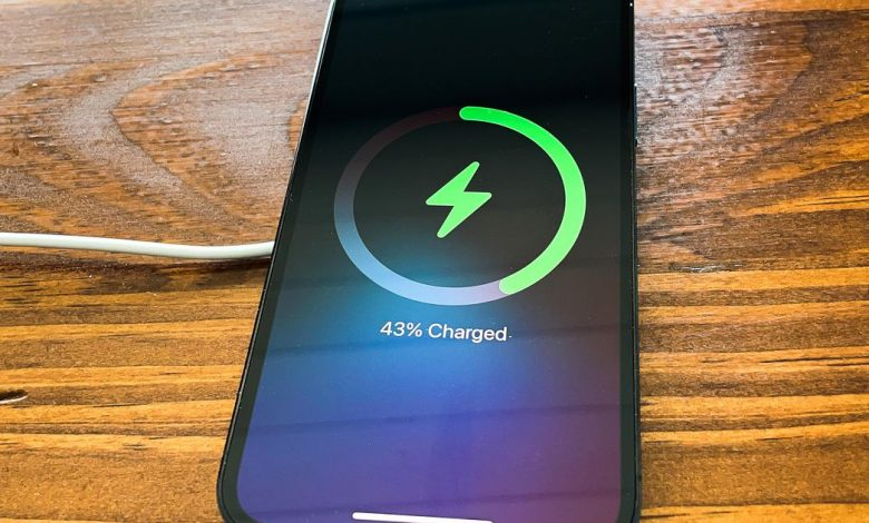 Maxoff on iPhone 12: Wrong to suspect Apple's magnetic charger