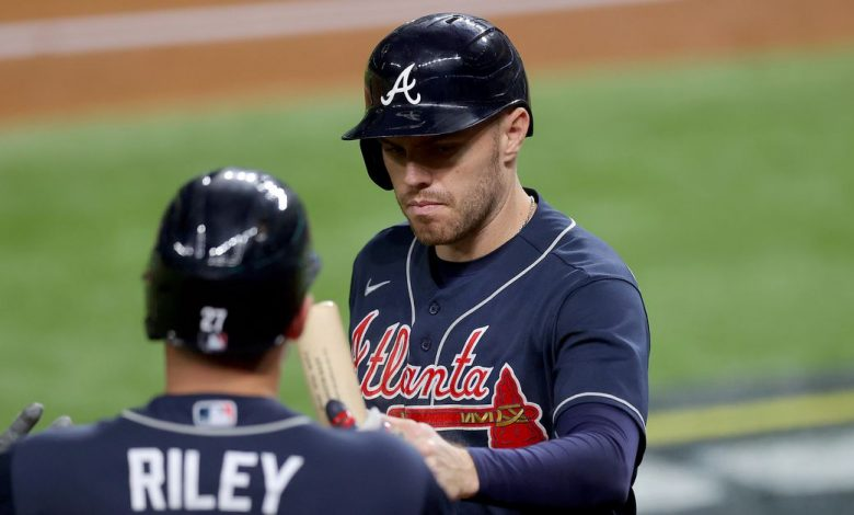 Braves explodes to early lead, stopping Dodgers to take a 2-0 lead at NLCS