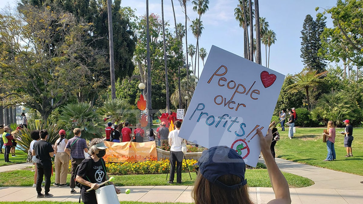 In LA, anti-Amazon activists marched on Jeff Bezos' home