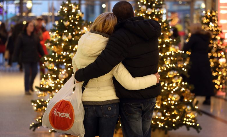 Infected-tired shoppers want a meaningful holiday season