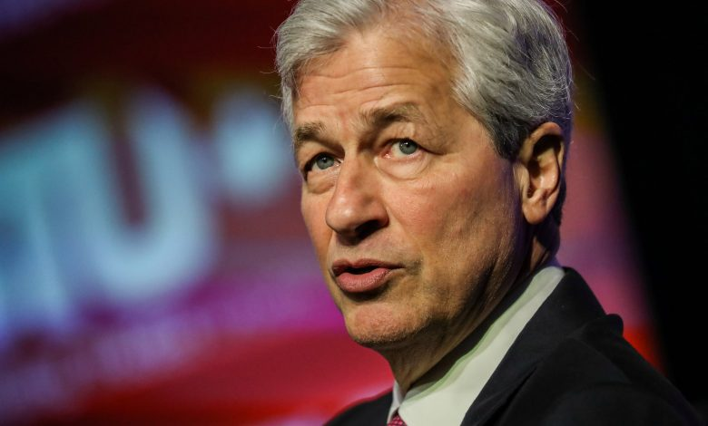 JPMorgan Chase pledges $ 30 billion to close US racial gap