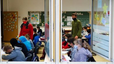 Photo of Schools will be open in Europe's new locks, a reversal from spring