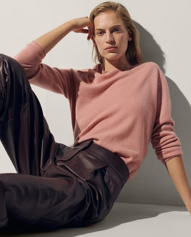 The three-year-old mother, who is known for wearing high street towels and old clothes, opted for a comfortable blush pink 100 percent cashmere knit for the occasion.