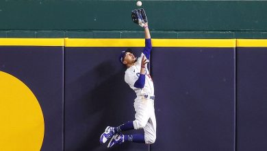Photo of Dodgers Mookie Bets fifth straight Gold Glove winners title