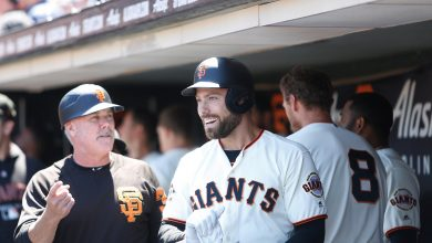 Photo of Former Giant Mac Williamson sues club over concussion