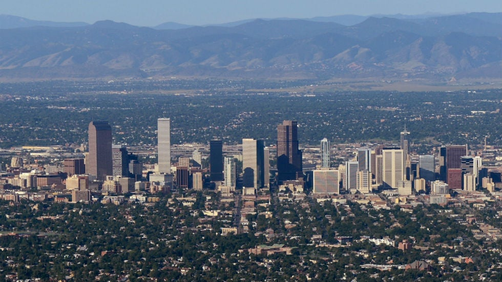 The mayor of Denver apologizes for the holiday trip