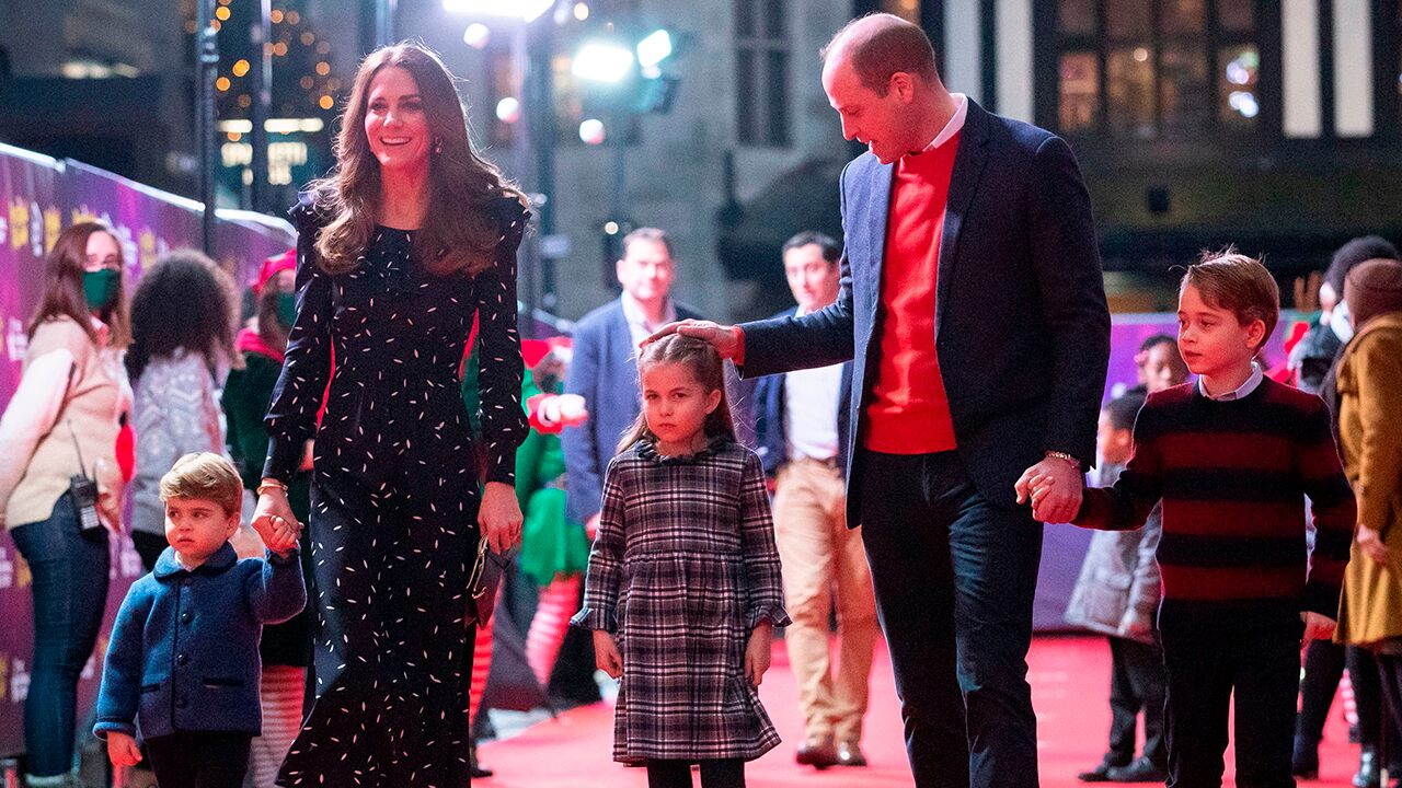 Kate Middleton shares family Christmas card photo with Prince William George, Charlotte and Louise