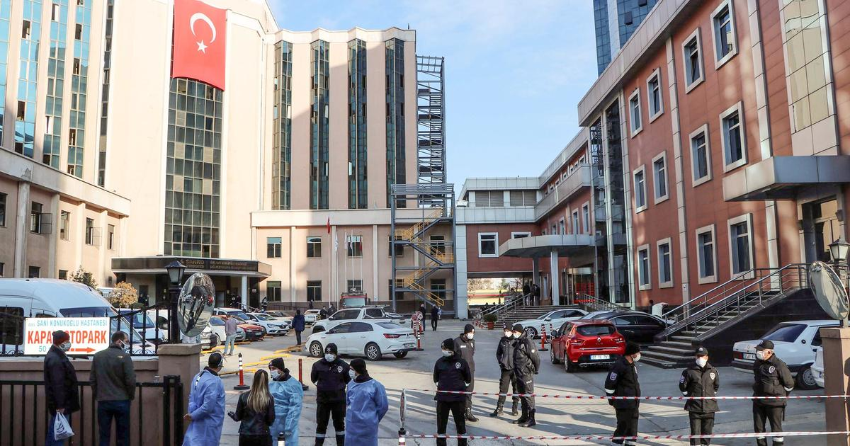 A fire in a Turkish ICU treating COVID-19 patients has killed at least nine people