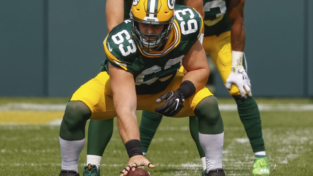 Bakers hires C. Corey Linsley to return from I.R.