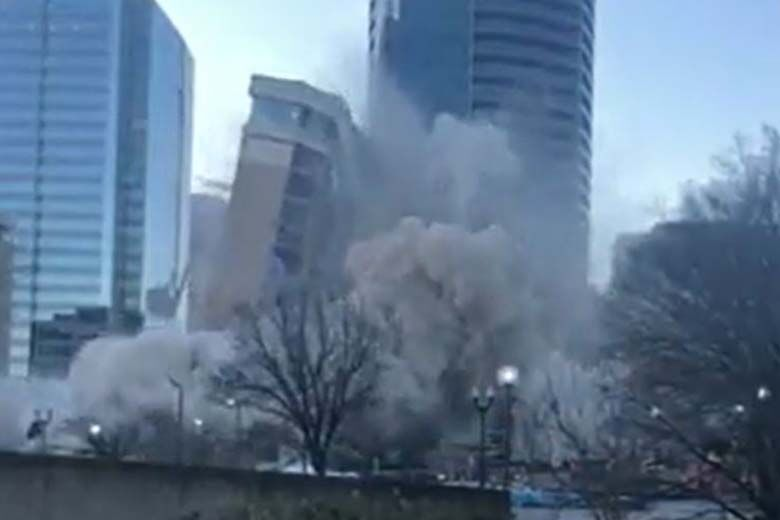 Video: Roslyn Skyline changes following hotel explosion