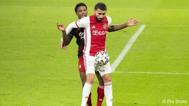 Van Bronckhorst saw Ajax mismanage the pressure at Feyenoord