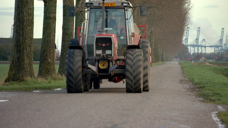 Maximum tractor speed increased from 25 to 40 km / h