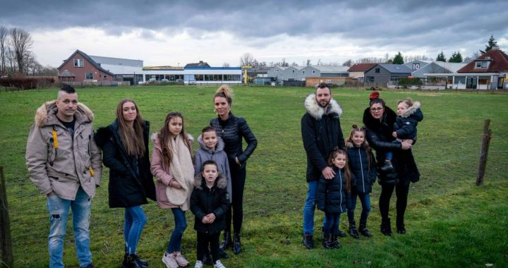 These families are looking for a place for their caravan in the Betuwe, but things are going so slowly |  Overbetuwe