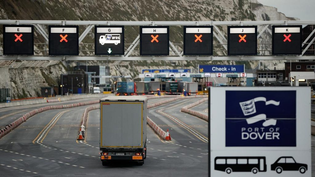 UK customs system at risk of overloading and exports threatened |  NOW