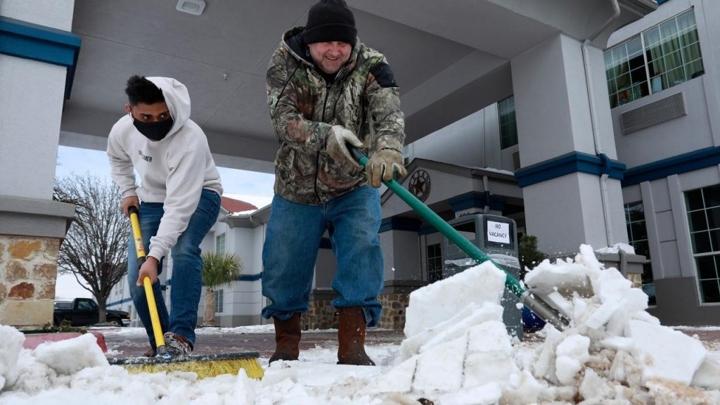 At least 21 deaths from extreme winter conditions in the United States |  NOW
