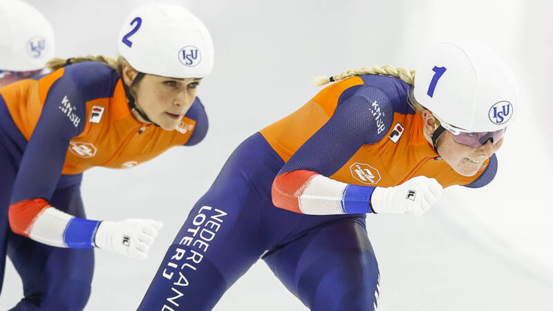 Groenewoud surprises with mass start for world title, silver for Stroetinga