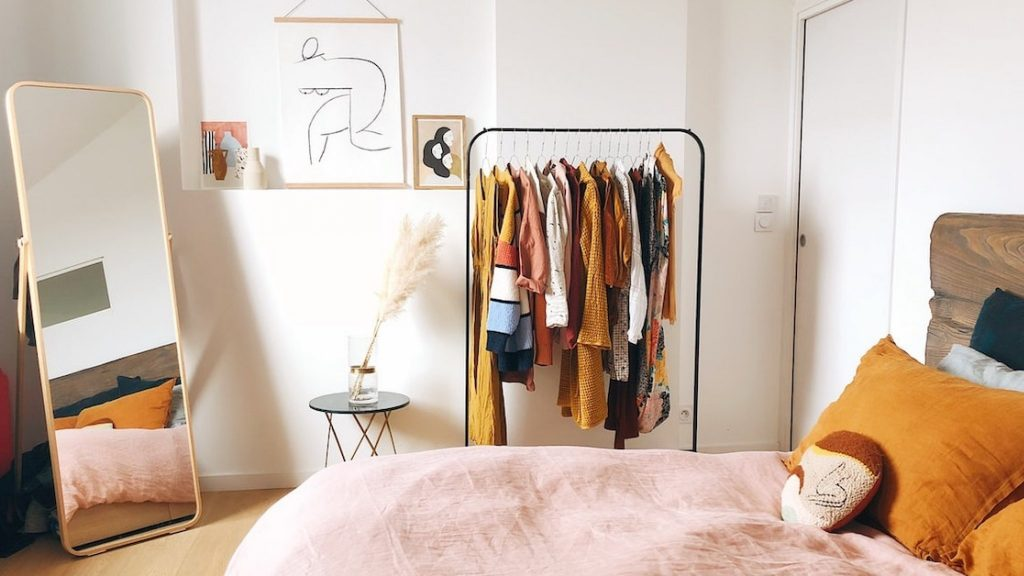 Hang up your sweaters in no time and save space in the wardrobe!