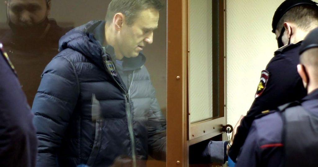 Navalny prosecutors demand fine for insulting veteran |  Abroad
