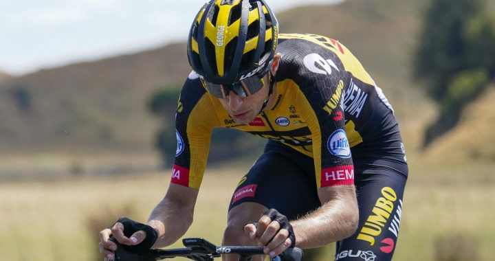 New Zealand Cycling Federation rejects champion George Bennett's jersey design