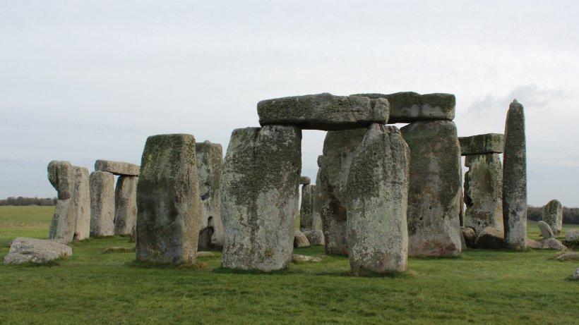Science: Stonehenge becomes baffling