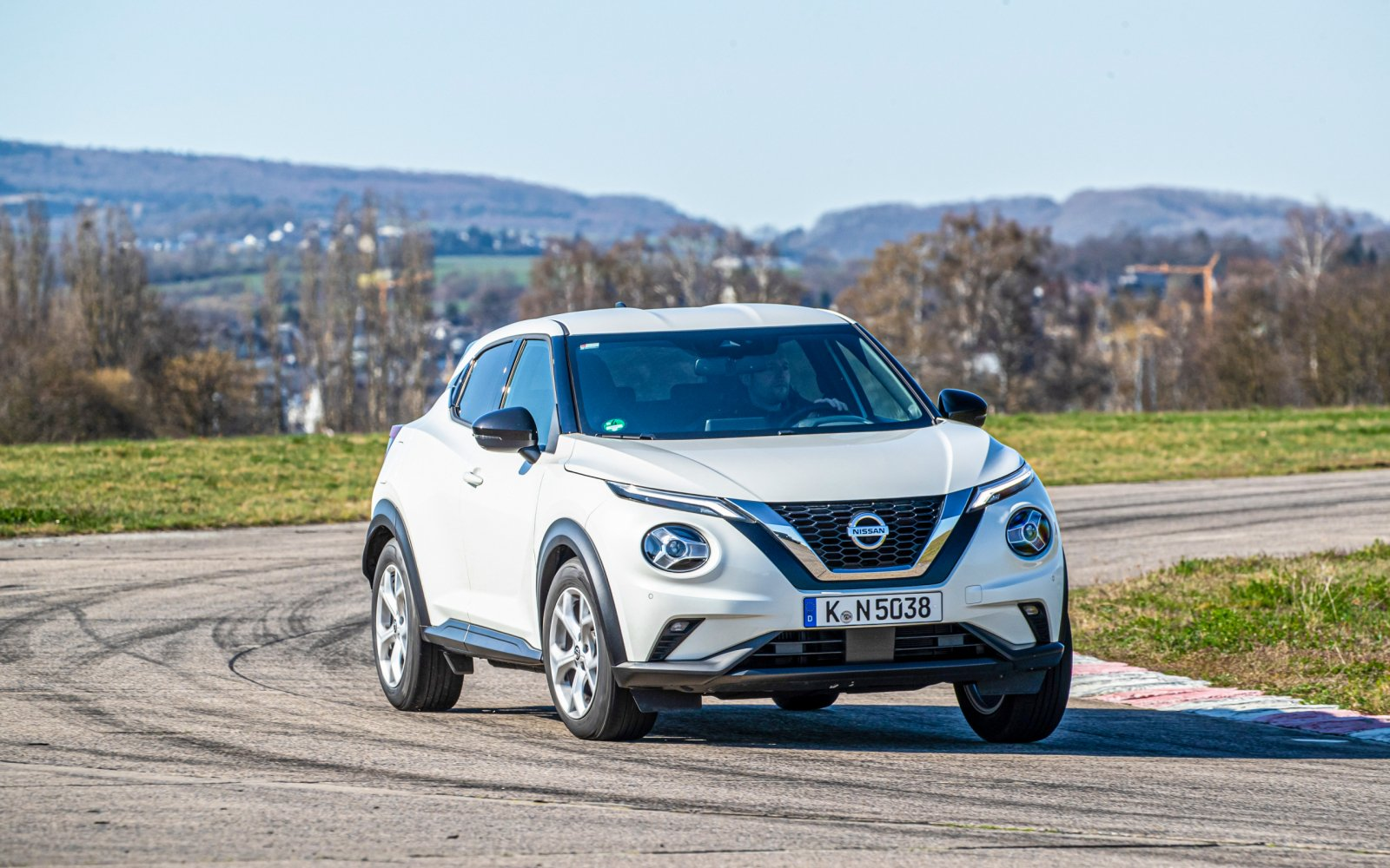 Test Renault Captur vs.  Nissan Juke: which one gets the best in terms of space and comfort?
