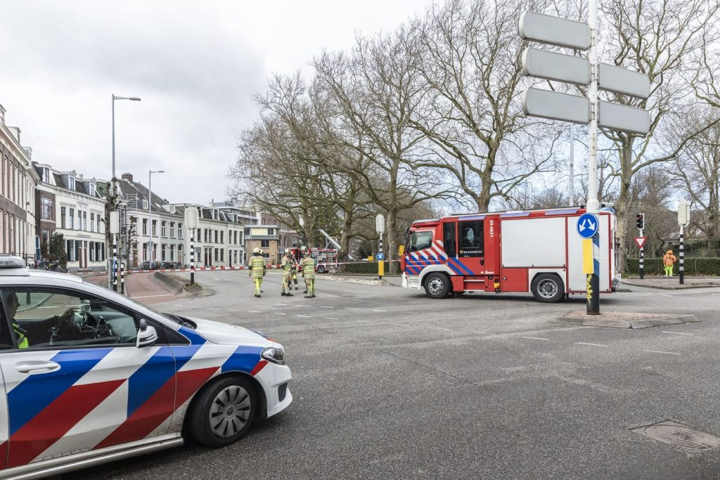Major gas leak in Utrecht Catharijnesingel;  'Stay away and give space to emergency services'