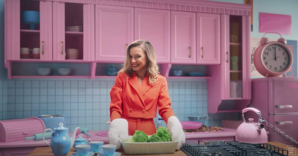 Poland launches new TV channel to give housewives a glamorous image |  In good health