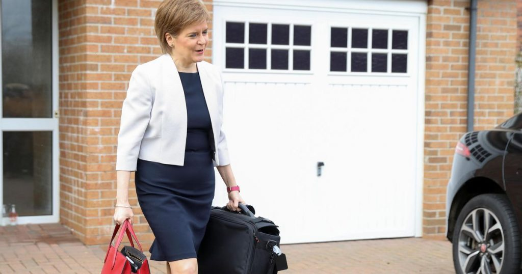 Scottish 'heroine' Sturgeon throws but remains standing |  Abroad